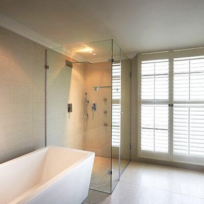 frameless glass cube shower